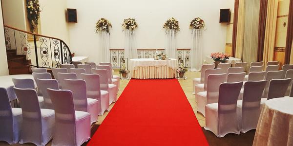 cerveny-koberec-svadba-web.jpg
